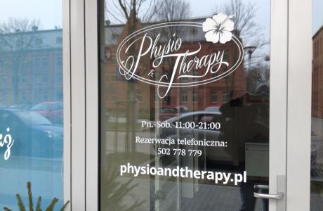 Nadruk reklamowy na szkle Physio Terapy | Pracownia reklamy Logomotiv
