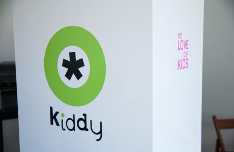 Ekspozytor reklamowy Kiddy | Pracownia reklamy Logomotiv